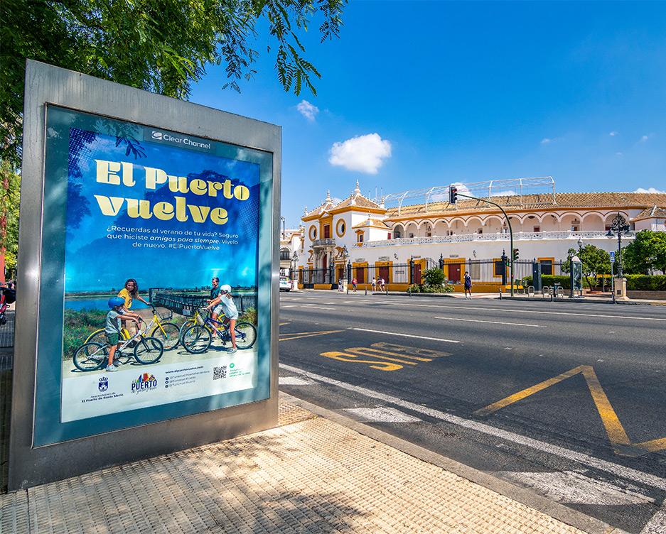 Mupi de El Puerto Vuelve